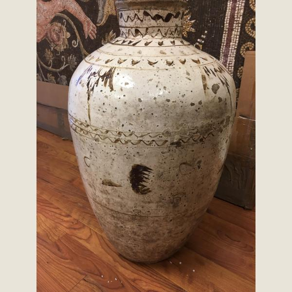 Ancient Chinese Ming Chi Chow Wine Jar